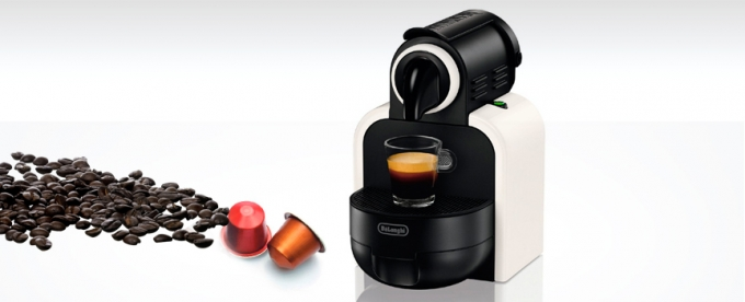 Oferta cafetera Nespresso DeLonghi Essenza EN 97W