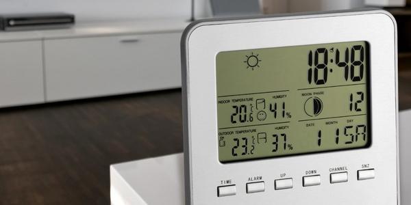 Reloj despertador con estaci n meteorol gica - Estacion meteorologica carrefour ...
