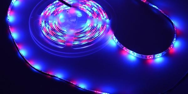 Oferta tira LED de 5 metros y color configurable con mando