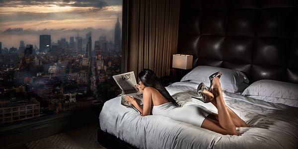 David Debrin Modelo en hotel