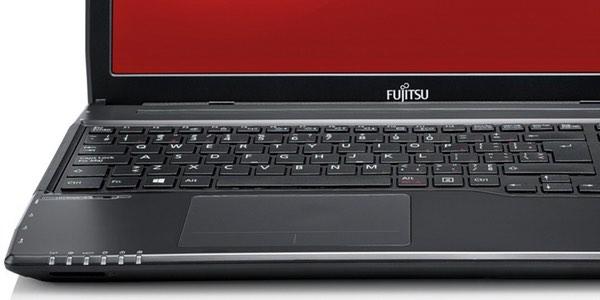 Fujitsu Lifebook AH544/G32