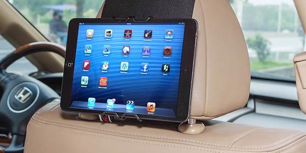 Pr ctico soporte para colocar tablets y smartphones en el for Fundas asientos coche carrefour