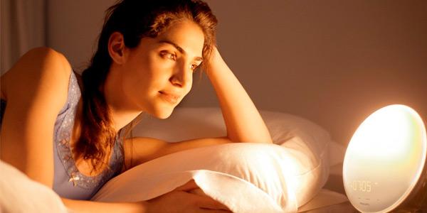 Despertador luminoso Philips Wake Up Light barato en Amazon por el Black Friday