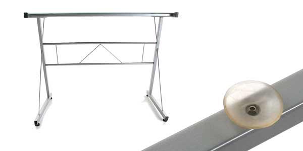 Mesa para ordenador Versa en cristal templado y hierro chollo en Amazon