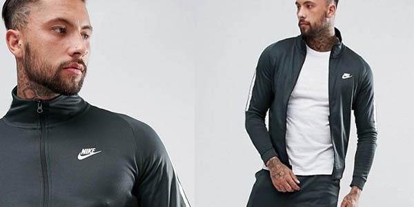 chaqueta slim fit Nike Tribute precio brutal