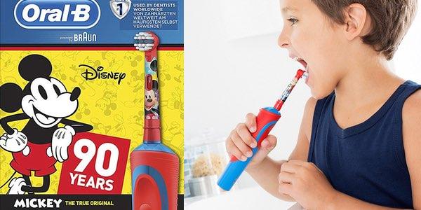 Cepillo de dientes eléctrico Oral-B Stages Power Kids de Mickey Mouse barato 86fbfc92e48e