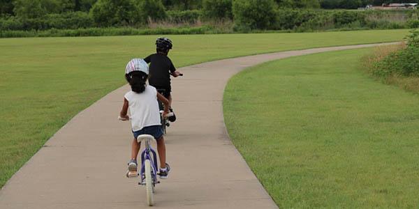 rutas con bicicleta para hacer con niñ@s en vacaciones de verano