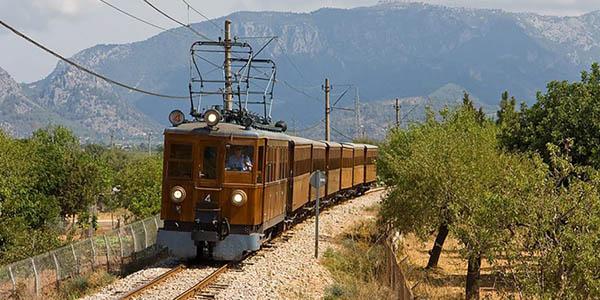 tren Sóller idea para viajar con niñ@s