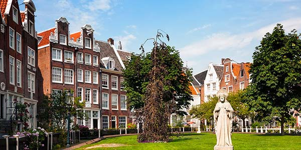 viajar a Ámsterdam con presupuesto low cost hotel de primera categoría