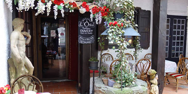 escapada gastronómica a Carcasona en restaurante medieval chollo