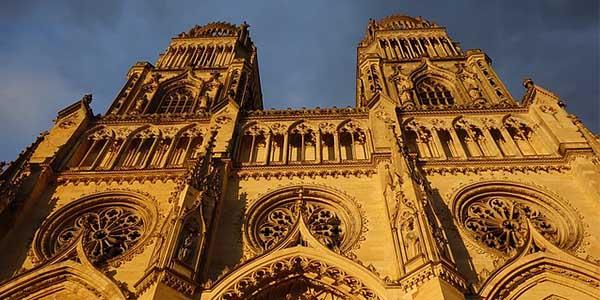 viaje especial singles Puente de octubre Castillos del Loira Francia barato