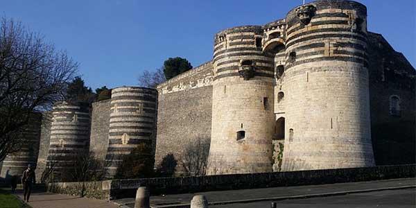 viaje singles por los Castillos del Loira Francia otoño 2018 chollo