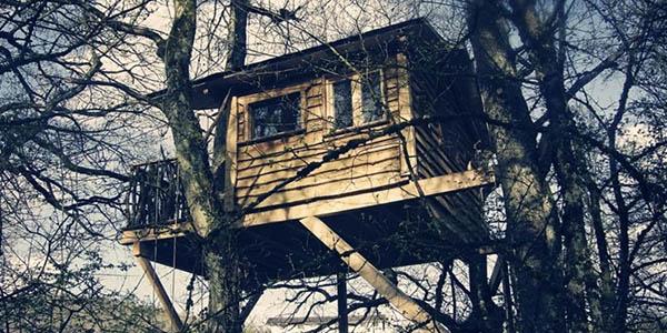 mejores cabañas en los árboles para alojarse en España
