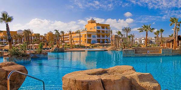 escapada en familia a la Costa de Almería hotel Zimbali chollo
