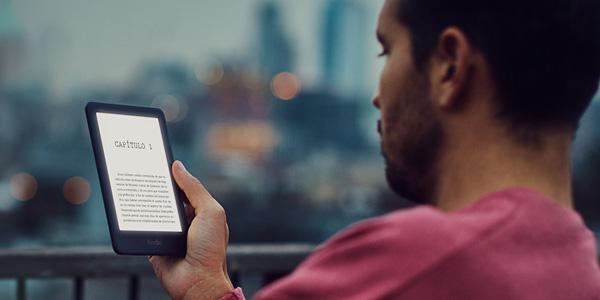 Nuevo Kindle con luz frontal integrada barato en Amazon