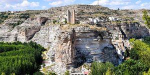 Alcalá del Júcar escapada barata en casa cueva
